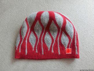 шапка, 2019, спицами, узор, поворотные ряды, свинг